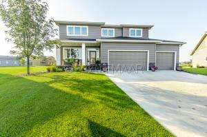 1422 72ND Avenue S, Fargo, ND 58104