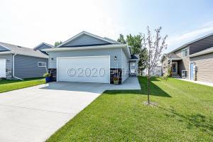 309 5TH Street E, Horace, ND 58047
