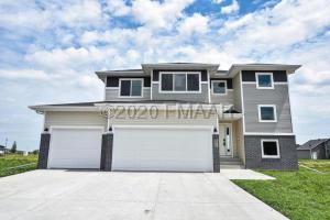 377 CARLSBAD Avenue, Mapleton, ND 58059