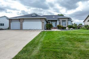 2708 26 Avenue S, Fargo, ND 58103