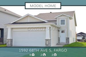 1592 68 Avenue S, Fargo, ND 58104