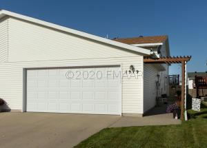 1919 49 Street S, Fargo, ND 58103