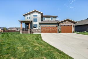 6135 MAPLE VALLEY Drive S, Fargo, ND 58104