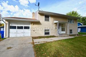 1429 19TH Street S, Fargo, ND 58103