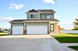 5657 47 Avenue S, Fargo, ND 58104