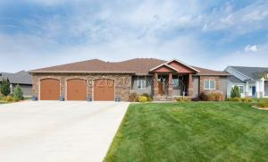 775 RIVERBEND Road, Oxbow, ND 58047