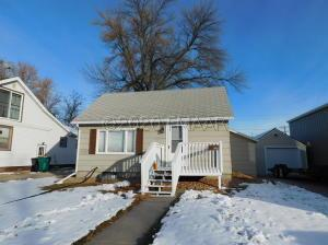 126 1 Avenue E, West Fargo, ND 58078