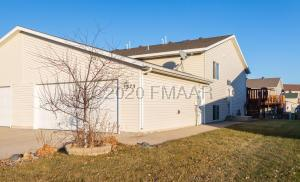 2573 AMBER VALLEY Court S, Fargo, ND 58104