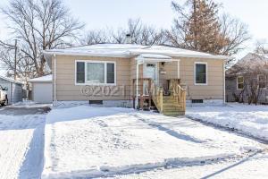 1316 13TH Street N, Moorhead, MN 56560