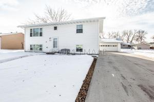 3014 MADISON Avenue N, Fargo, ND 58102