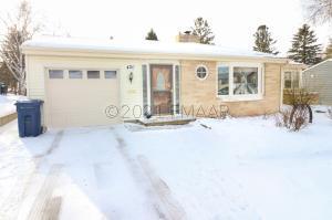 420 E ST CHARLES Avenue, Fergus Falls, MN 56537