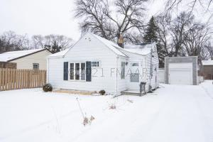1537 10 Avenue S, Fargo, ND 58103