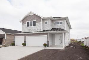6194 68 Street S, Fargo, ND 58104