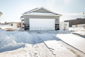 4990 55TH Street S, Fargo, ND 58104