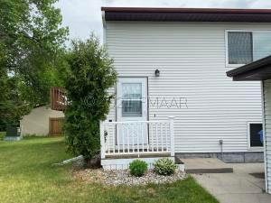 1707 25 Avenue S, Fargo, ND 58103
