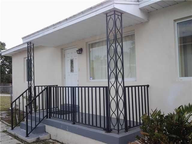 903  38th Street  For Sale 3346906, FL