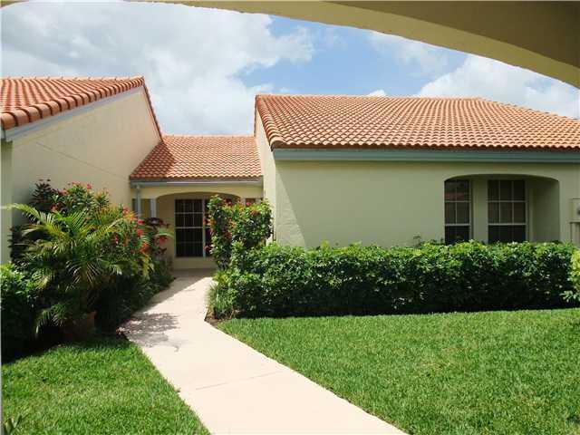 2252 Las Casitas Drive, Wellington, Florida 33414, 3 Bedrooms Bedrooms, ,2 BathroomsBathrooms,Villa,For Sale,Palm Beach Polo Golf & Country Club,Las Casitas,1,RX-10131814