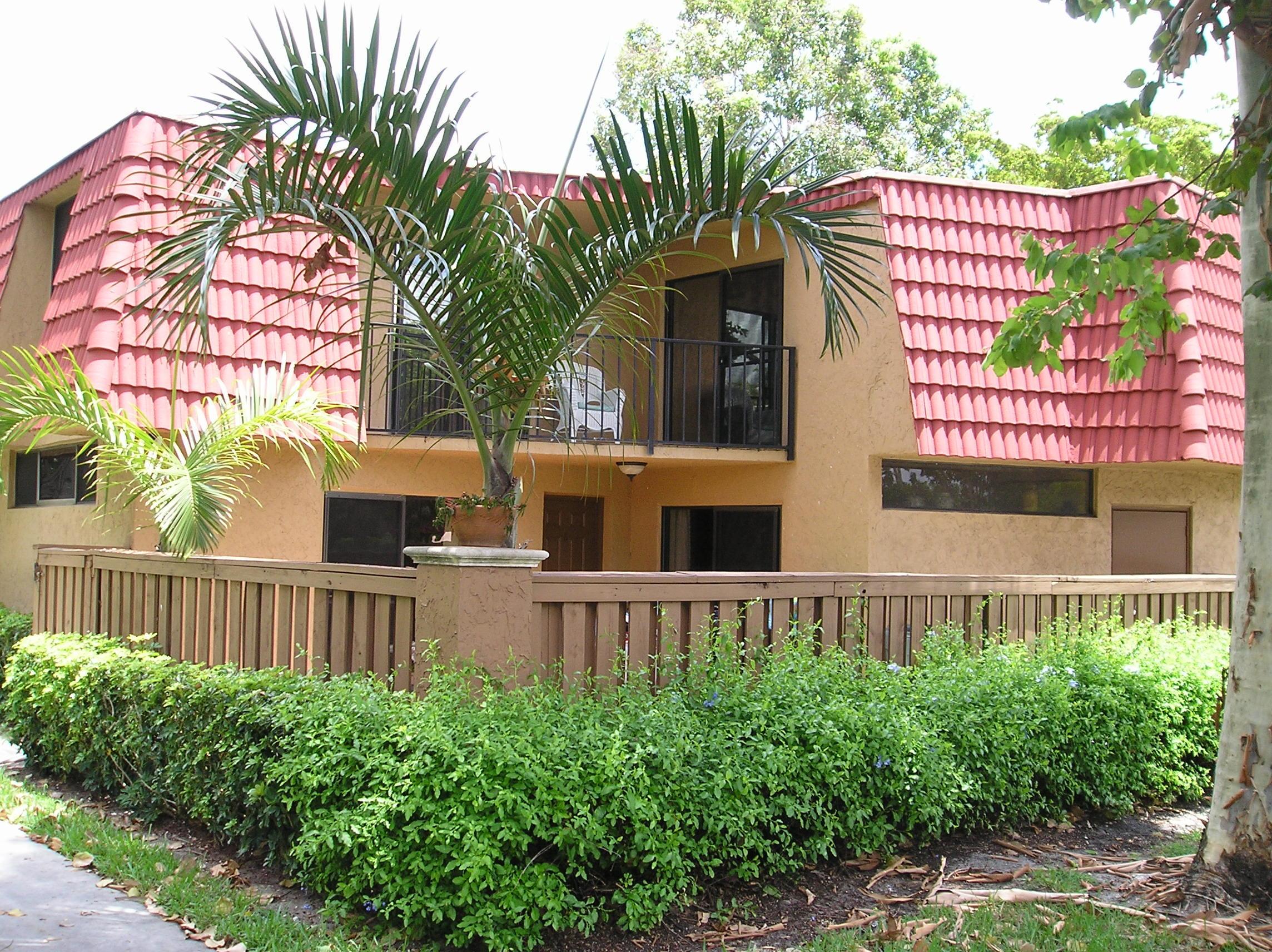 8159 Severn Drive - 2/2 in BOCA RIO NORTH / Banyan Lakes / Bermuda Isles