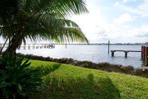 1820 Ocean Boulevard, Manalapan, FL 33462