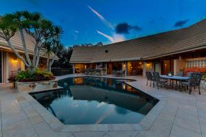 15 Huntly Drive, Palm Beach Gardens, FL 33418