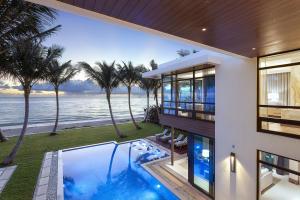 6 Ocean Lane, Palm Beach, FL 33480