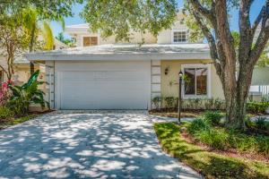 218 Canterbury Drive W, Palm Beach Gardens, FL 33418
