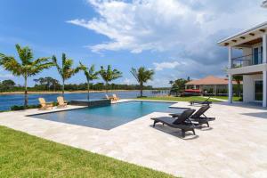 14490 Cypress Island Circle, Palm Beach Gardens, FL 33410