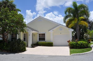 2 Admirals Court, Palm Beach Gardens, FL 33418