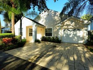 21 Admirals Court, Palm Beach Gardens, FL 33418