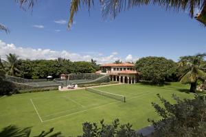 Tennis grounds