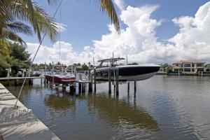 Boat and jetski dockage