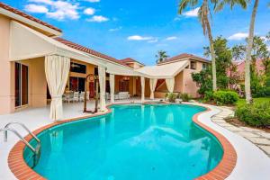131 Golfview Court, Palm Beach Gardens, FL 33418