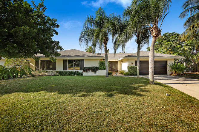 151 Country Club Boulevard - 3/3 in HIDDEN VALLEY SEC 4A