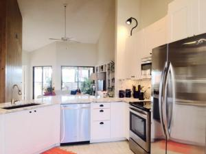 203 Sea Oats Drive Unit: 1e, Juno Beach, FL 33408
