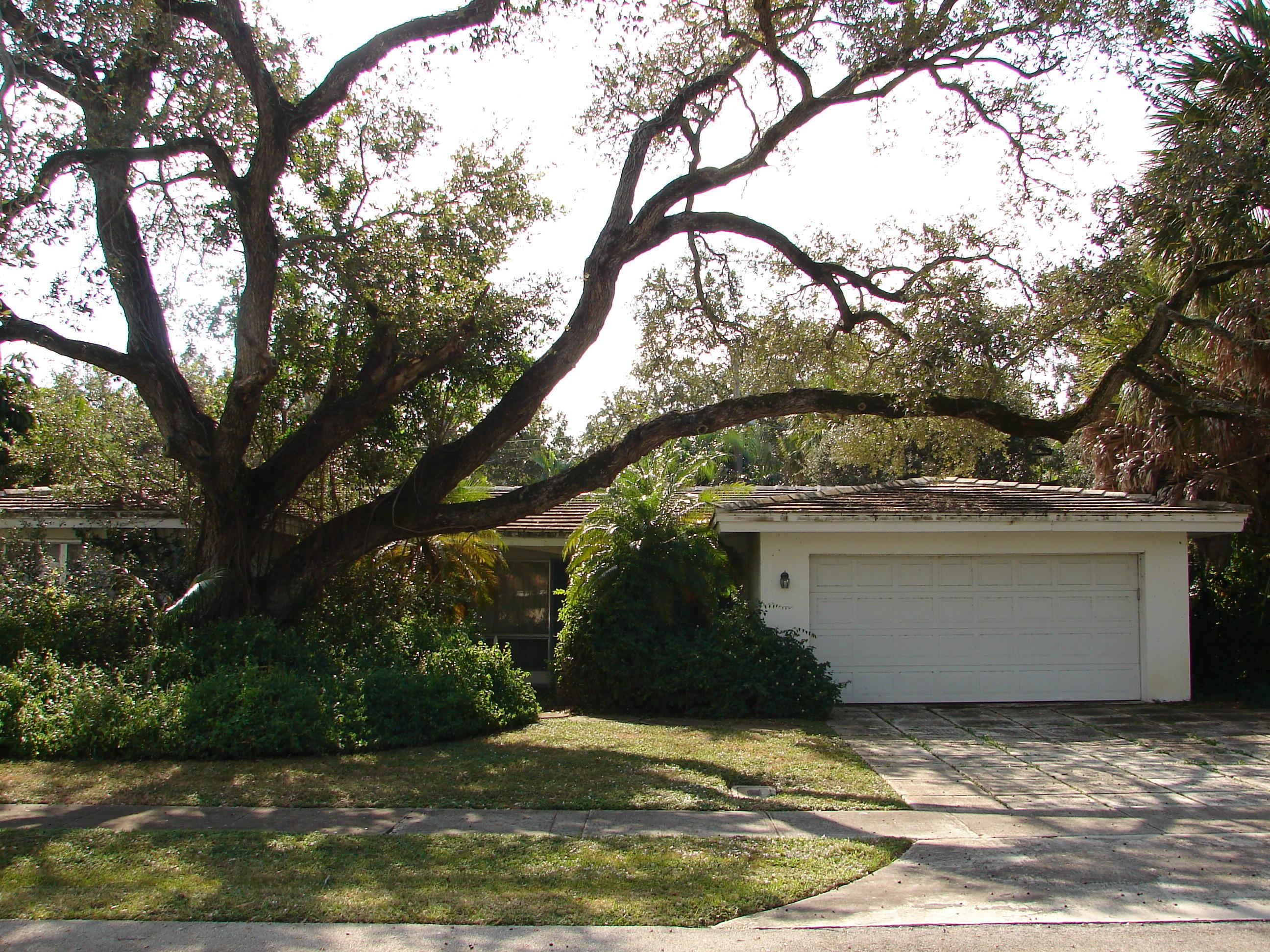 820 SW 3RD Street Boca Raton, FL 33486
