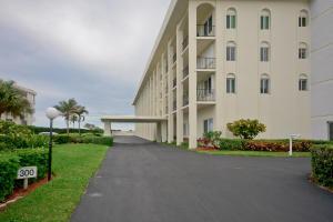 300 Beach Road Unit: 307, Tequesta, FL 33469