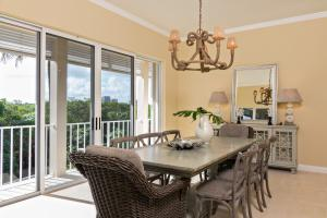 Dining Room - Garden View