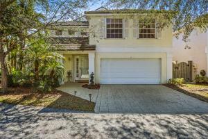 8 Governors Court, Palm Beach Gardens, FL 33418