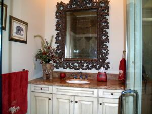 1208 Seminole Guest Bath 2 -2