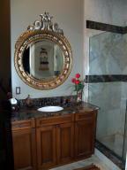 1208 Guest House bath