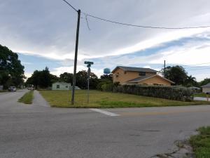 403 SW 5th Avenue, Delray Beach, FL 33444