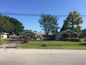 812 Country Club Drive, North Palm Beach, FL 33408