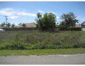 5166 Conklin Dr, Delray Beach, FL 33484