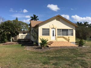242 NW 3rd Avenue, South Bay, FL 33493