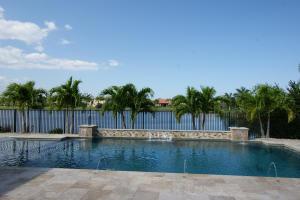 105 Casa Circle, Jupiter, FL 33458