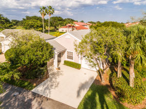 99 Admirals Court, Palm Beach Gardens, FL 33418