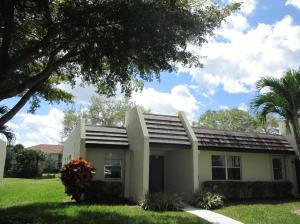 219 Lake Susan Lane, West Palm Beach, FL 33411