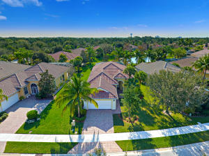 4906 Grassleaf Drive, Palm Beach Gardens, FL 33418