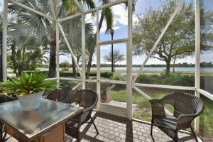 536 Tomahawk Court, Palm Beach Gardens, FL 33410