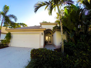 438 Woodview Circle, Palm Beach Gardens, FL 33418